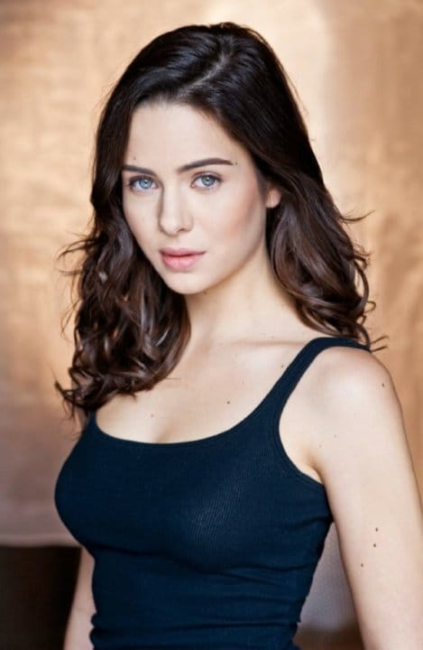 holly deveaux biography