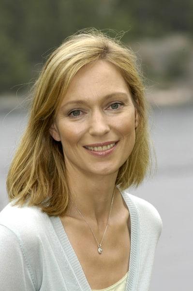 -katja-weitzenböck. | Actresses, Beauty, Look alike
