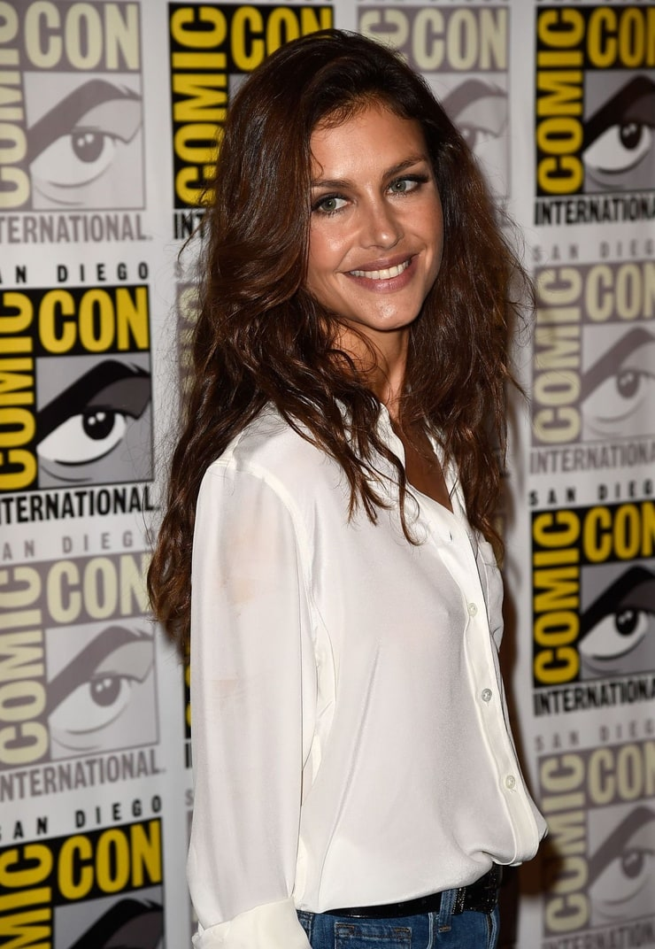 Hannah Ware Nude Photos 38