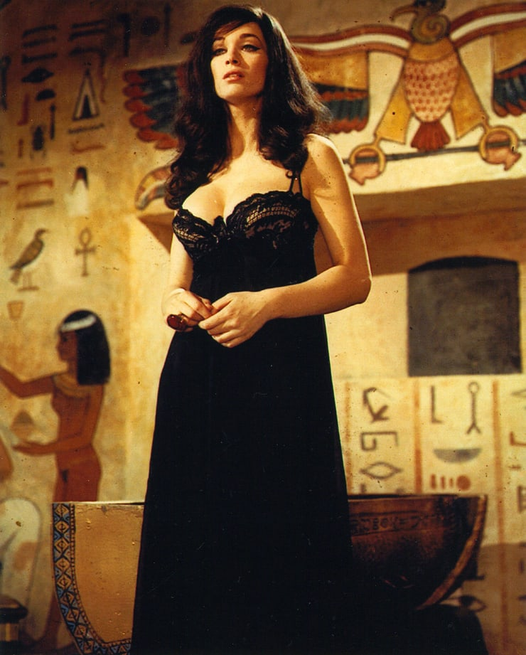 Lady from the mummy naked