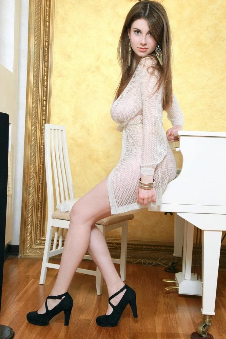 Marta E