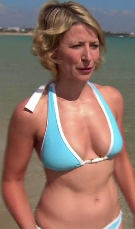 Samantha brow ina bikini