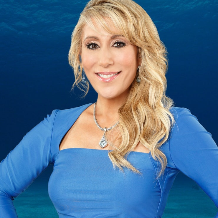how tall is lori grenier