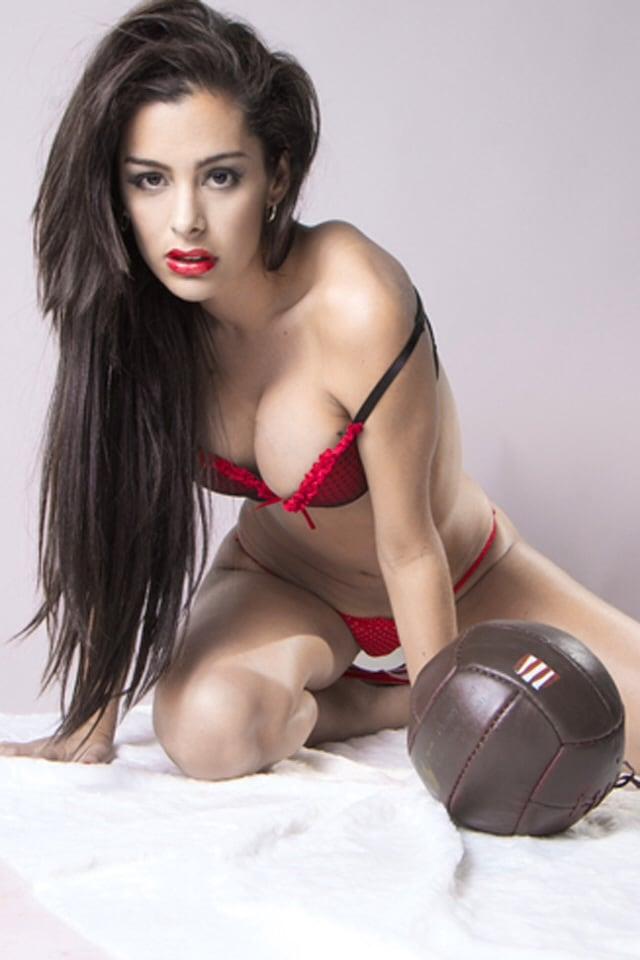 Alexis Ren Erotic Nude Photos 60