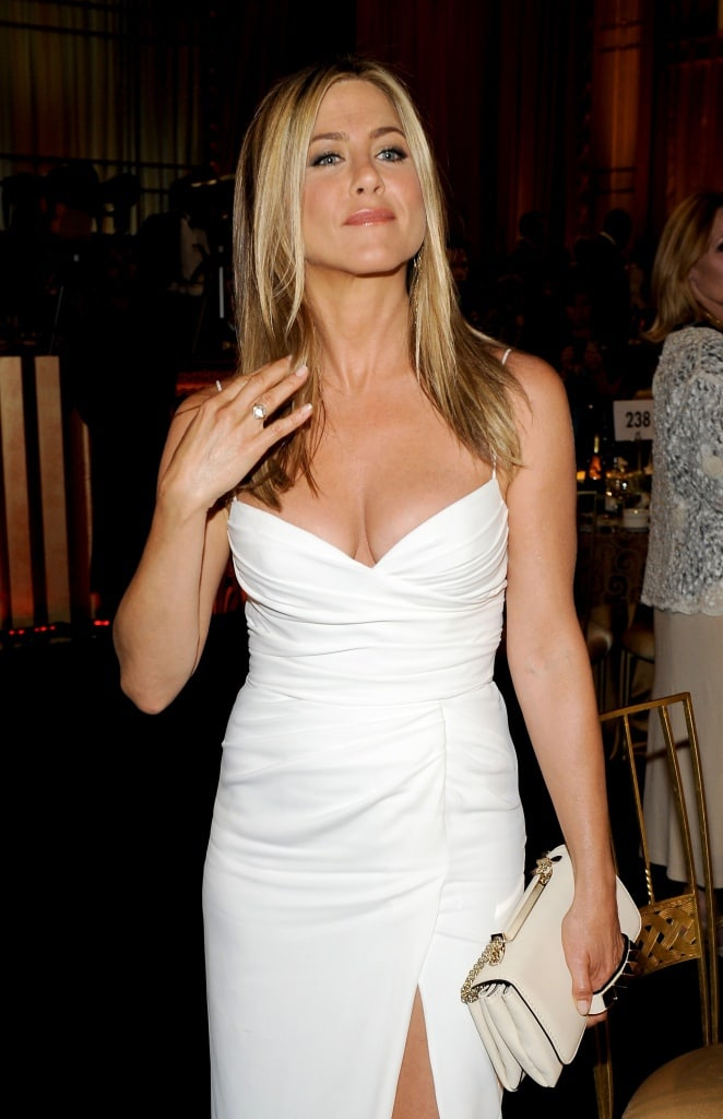 662full-jennifer-aniston.jpg