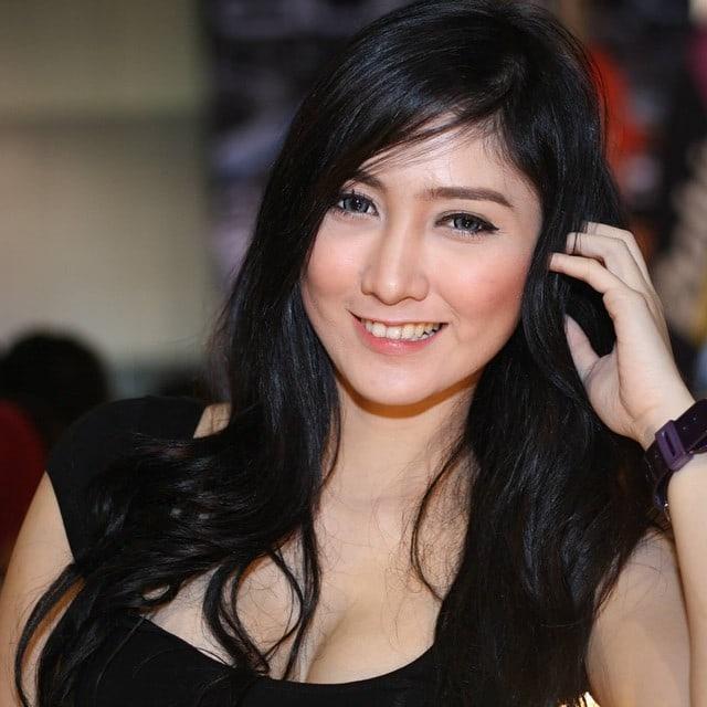 Cantik sih, tapi.. ! 7 Selebriti Dunia Ni Nampaknya Dulu Lelaki, No. 7 Tu Dari Malaysia Comel Sangat!!!