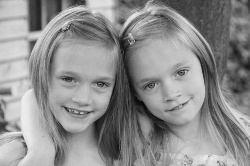 Louis Tomlinson Sisters Update: Picture Of Phoebe Tomlinson