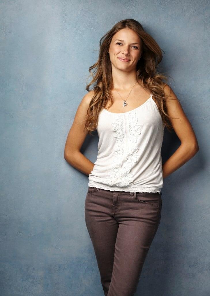 Picture of Tracy Spiridakos