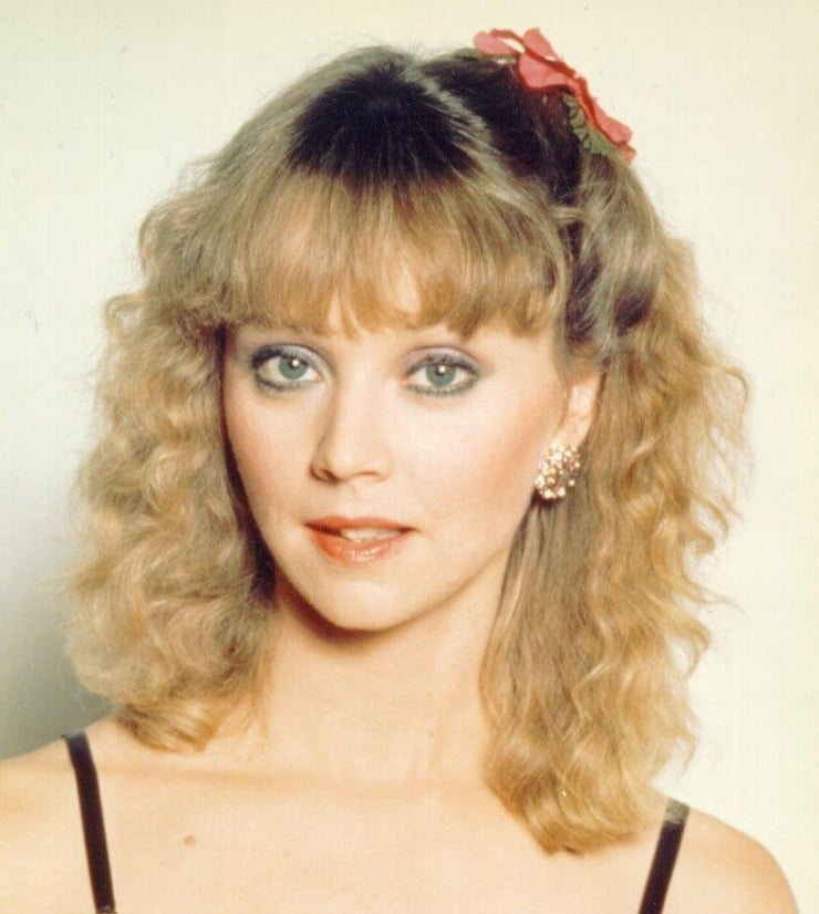shelley long how tall