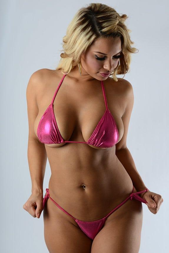 image Milf chilena en bikini