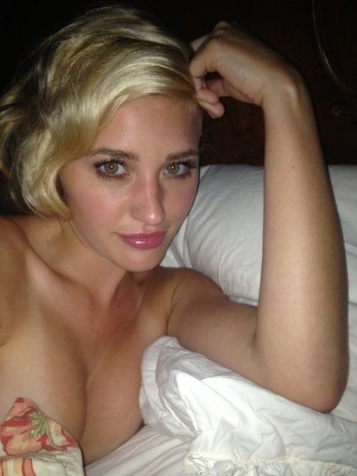 malay girl breast naked
