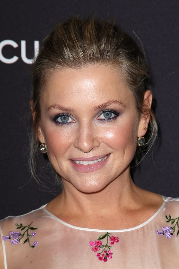 Picture of jessica capshaw