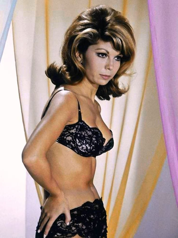 nancy sinatra kind of a woman
