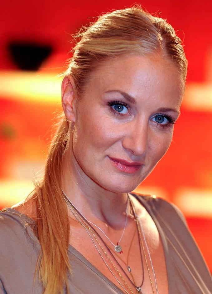 Janine Kunze Nude Photos 58