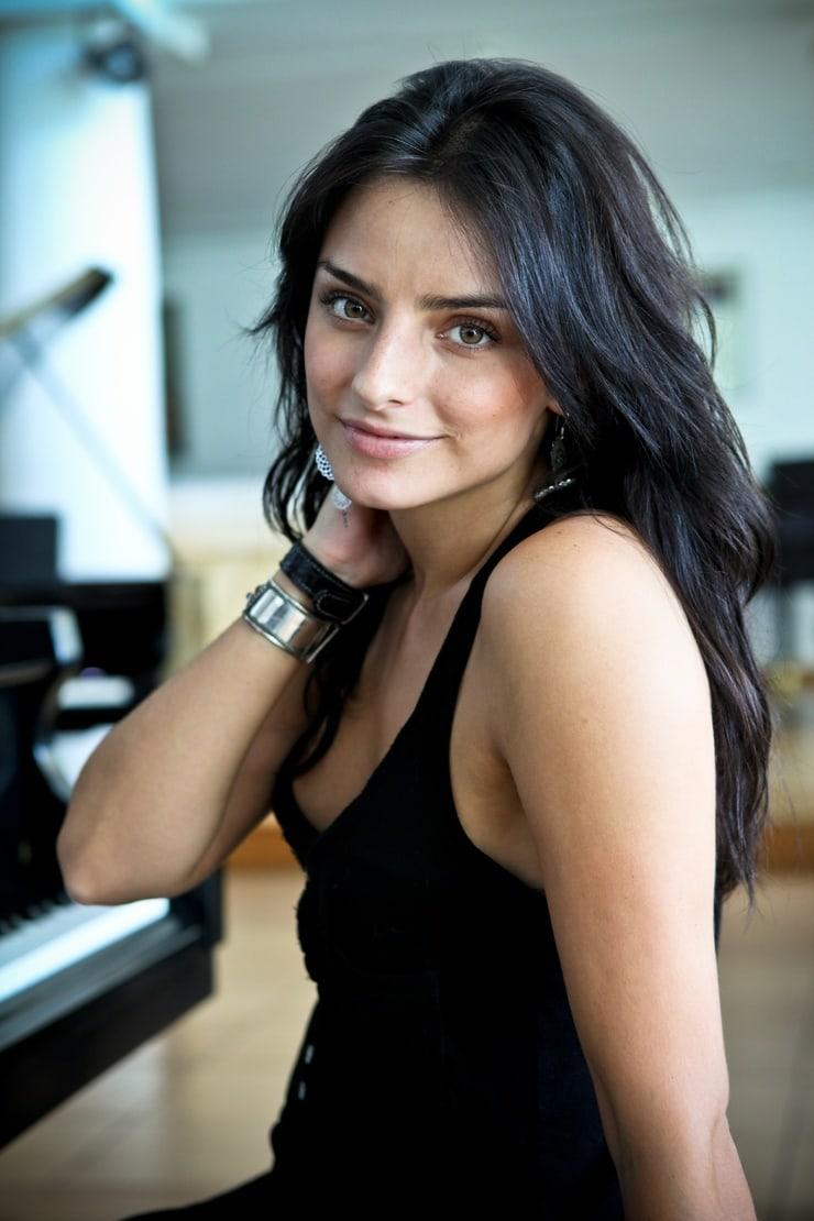 Picture of Aislinn Derbez
