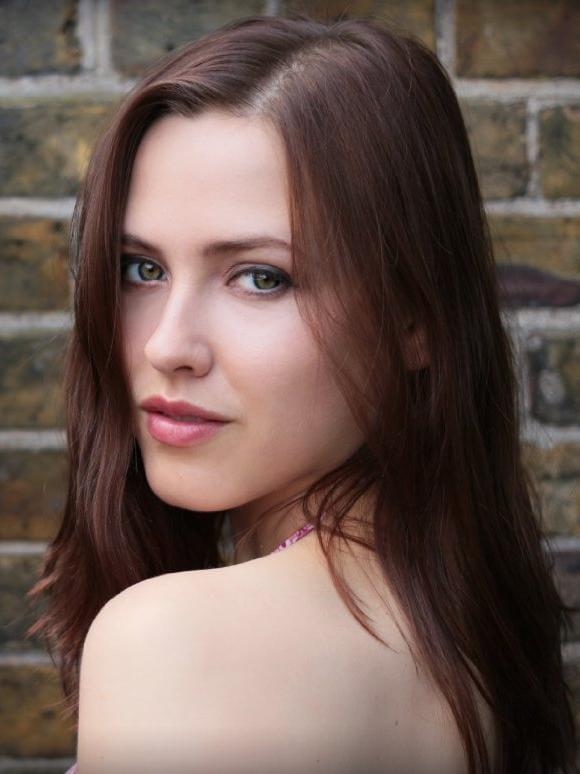Elinor Crawley Nude Photos 9