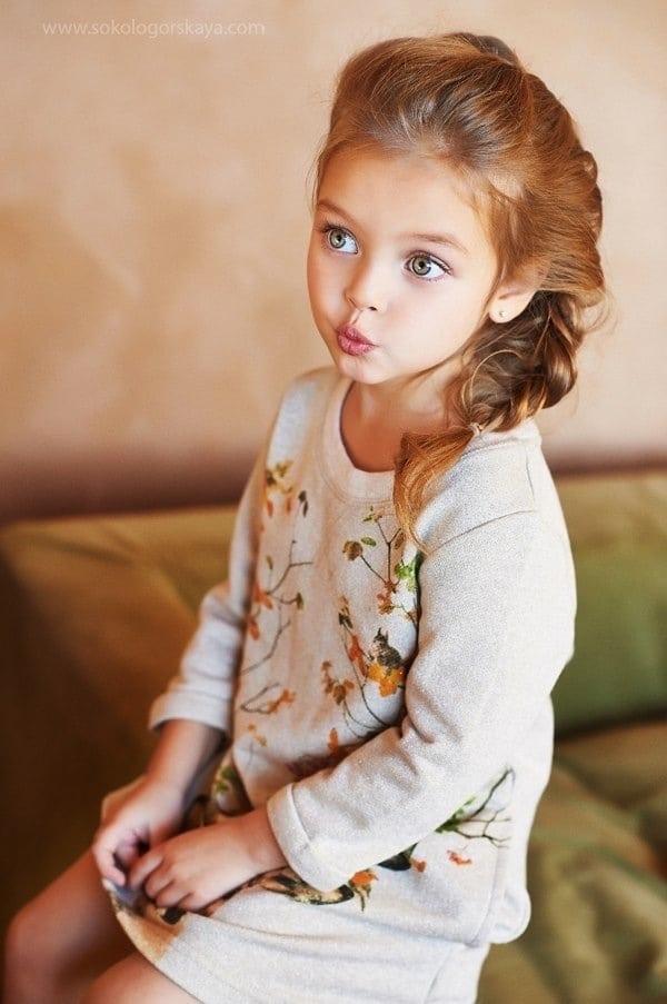 Самая красивая маленькая девочка