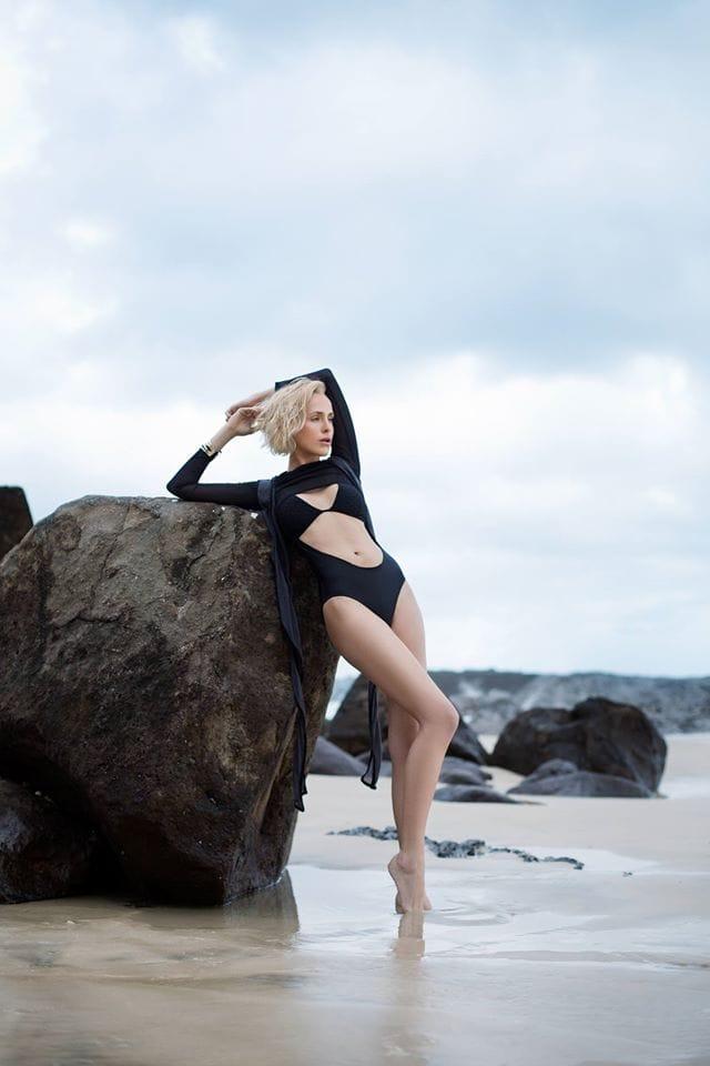 Tiffany Winteler Nude Photos 13