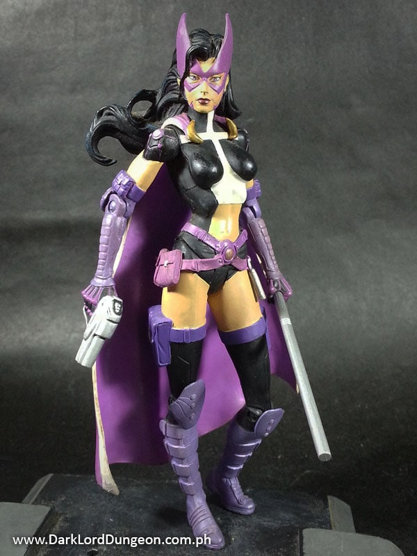 Batman Hush Series 1 Huntress Action Figure & Picture of Batman Hush Series 1: Huntress Action Figure
