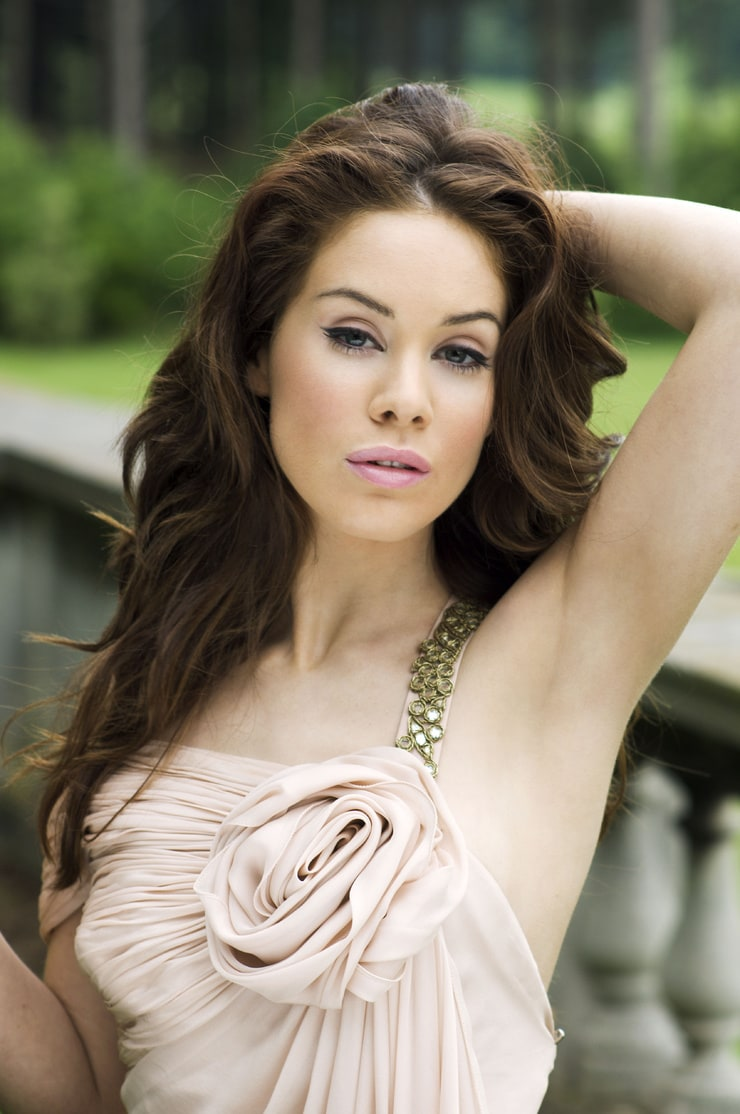 picture of roxanne mckee