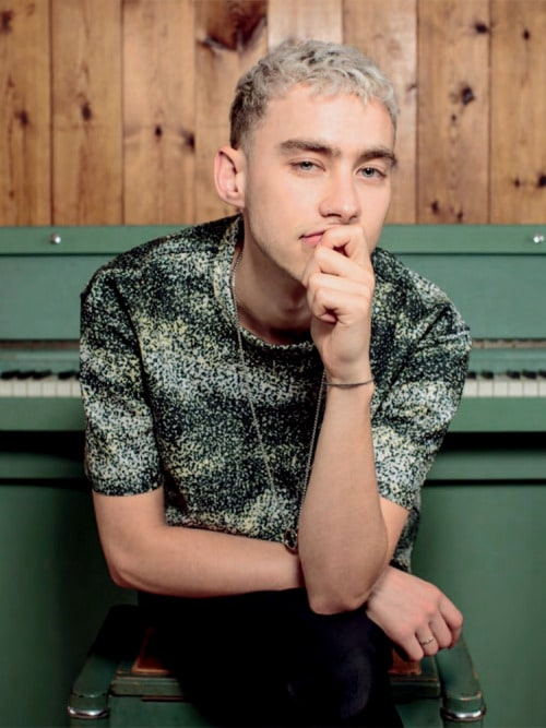 olly alexander outfits