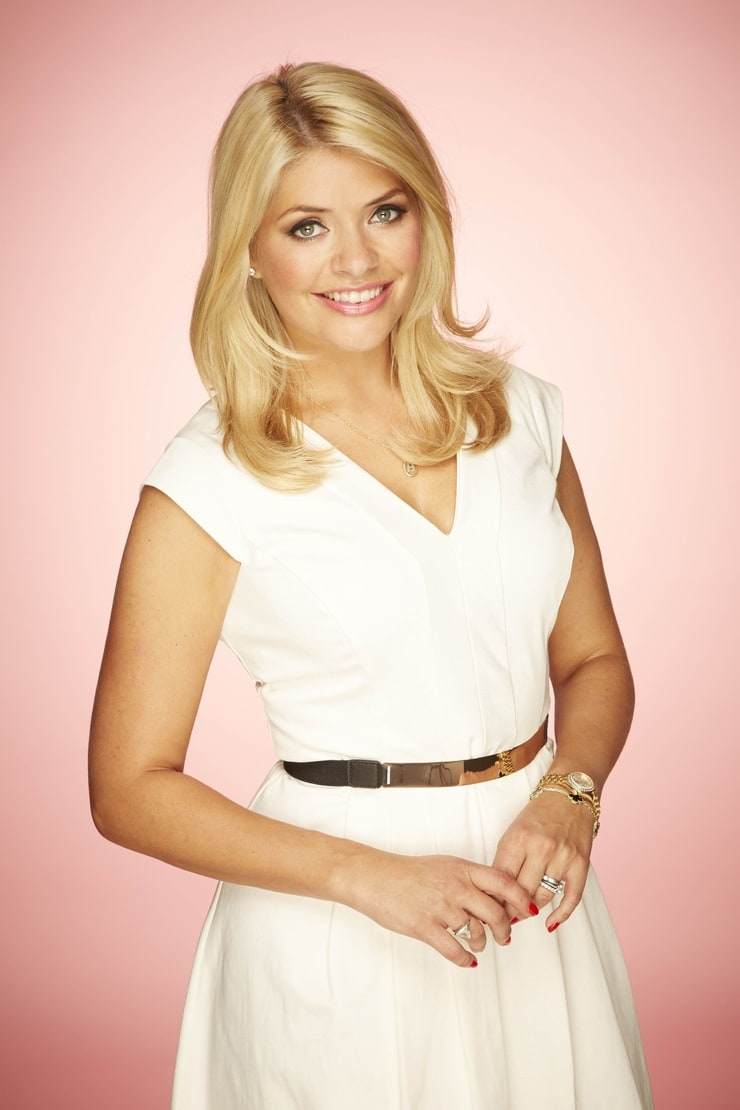 holly willoughby - photo #5