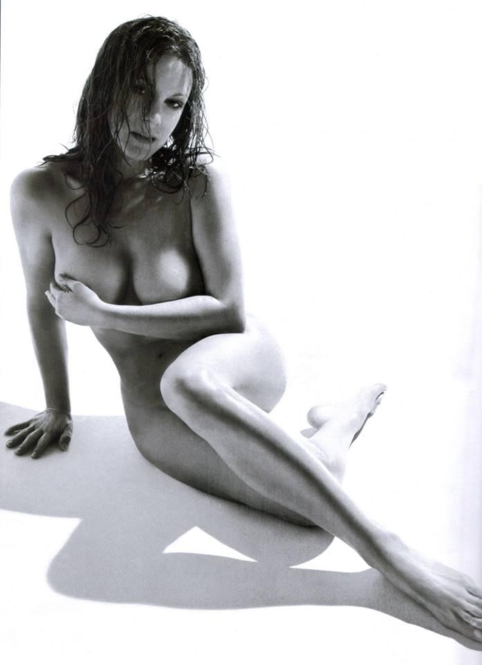 Elizabeth Perkins Nude Pics 37