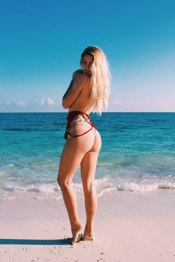Emma Simmons