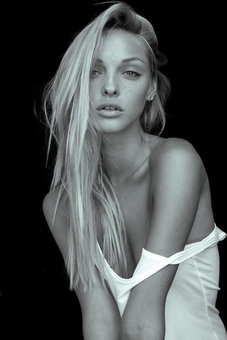 Pics Kristina Sheiter nudes (52 photos), Ass, Is a cute, Feet, cleavage 2006
