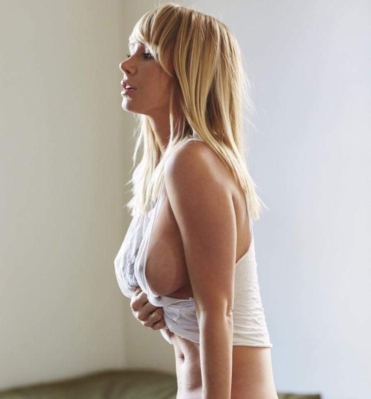 Sarah Jean Underwood Naked Pics 10